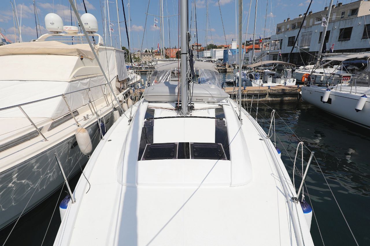 """Oceanis 46.1 (""""Mr.White"""" with A/C and generator)  - 6"""