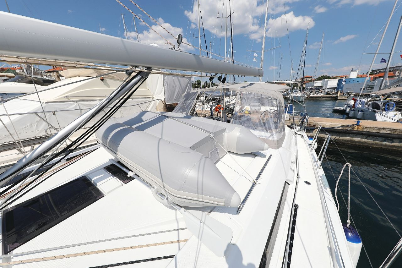 """Oceanis 46.1 (""""Mr.White"""" with A/C and generator)  - 7"""