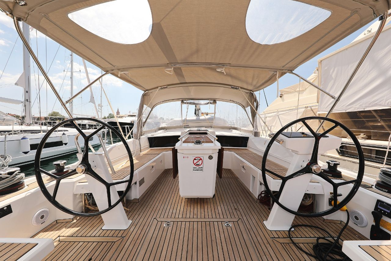 """Oceanis 46.1 (""""Mr.White"""" with A/C and generator)  - 8"""