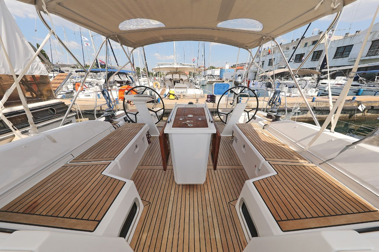 """Oceanis 46.1 (""""Mr.White"""" with A/C and generator)  - 10"""