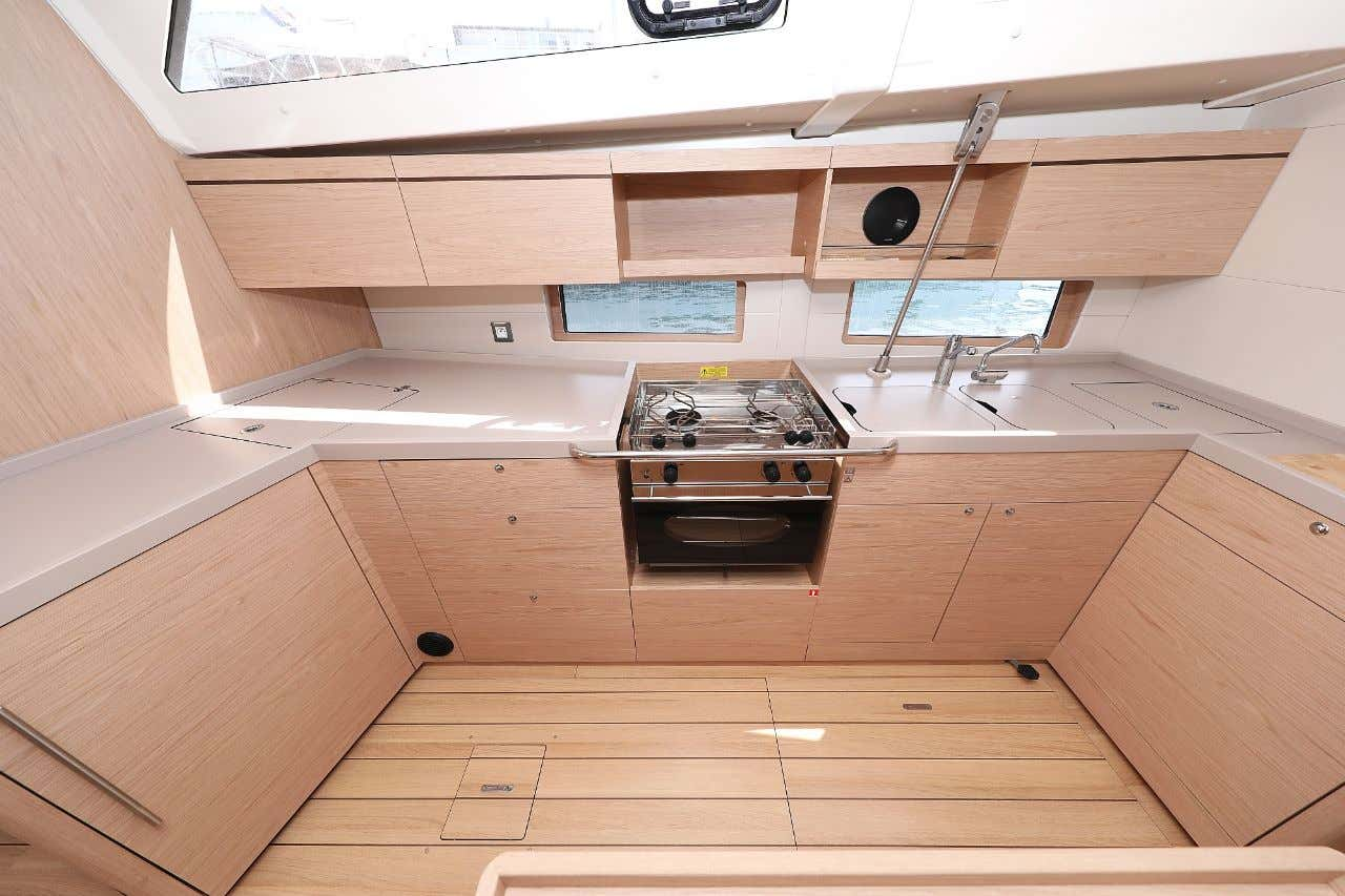 """Oceanis 46.1 (""""Mr.White"""" with A/C and generator)  - 25"""