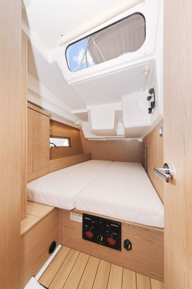"""Oceanis 46.1 (""""Mr.White"""" with A/C and generator)  - 42"""