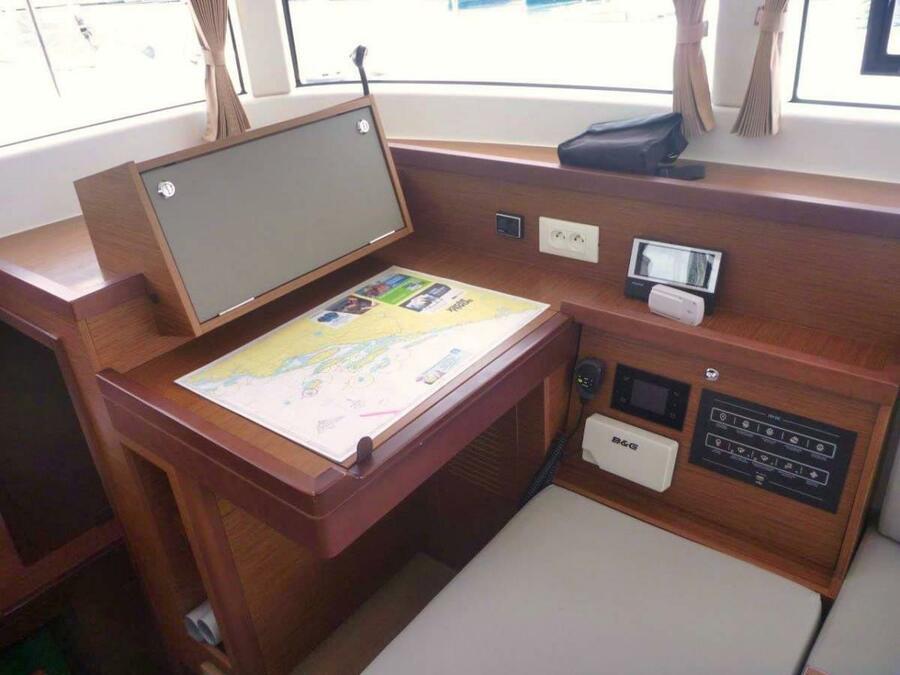 Lagoon 40 - 3 + 2 cab (Millennium Falcon)  - 13