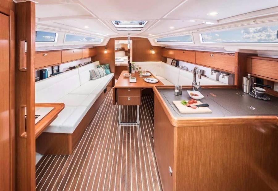Bavaria Cruiser 34 (Lucy)  - 4