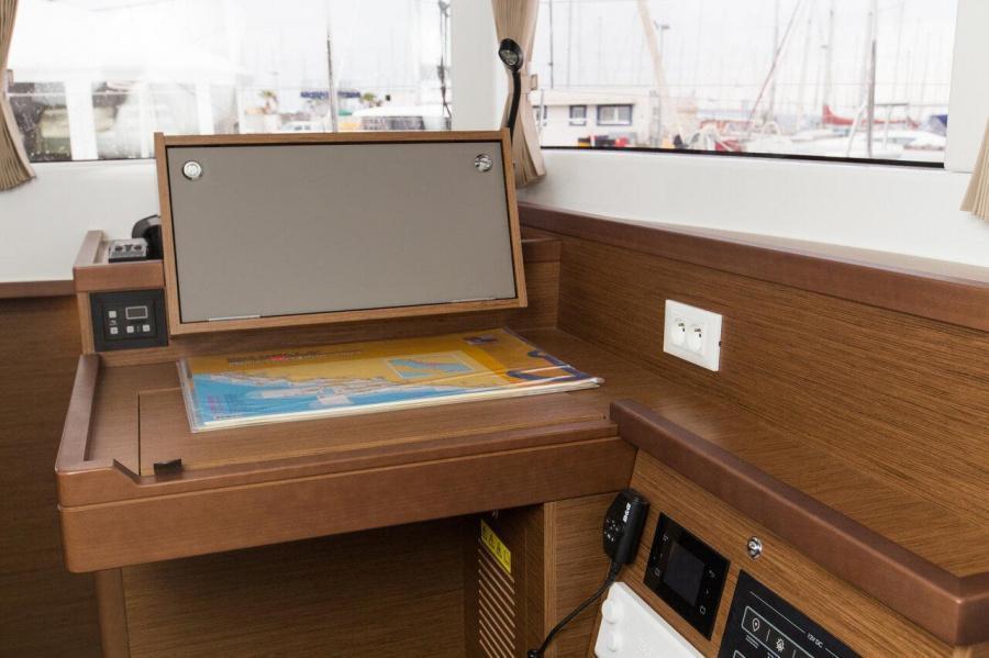 Lagoon 40 - 4 + 2 cab (Marinero)  - 12
