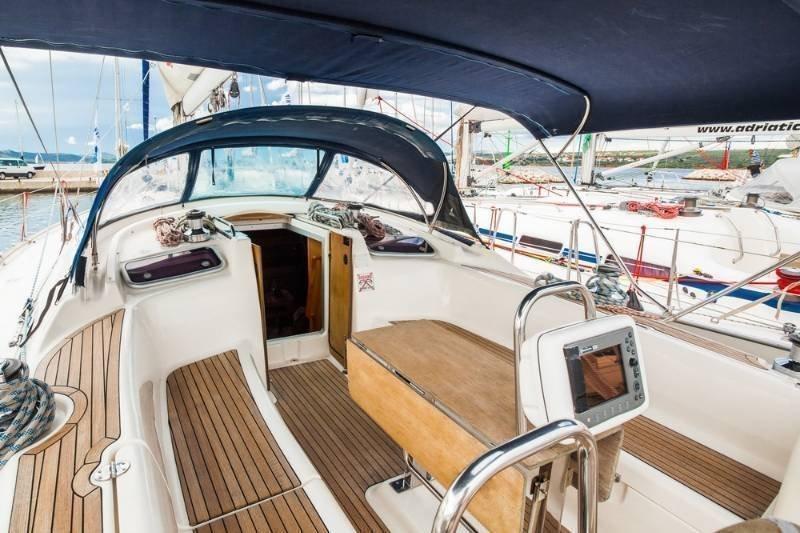 Bavaria 47 Cruiser (Daiquiri 42)  - 15