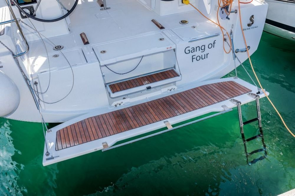 Oceanis 38.1 (Gang of Four)  - 12