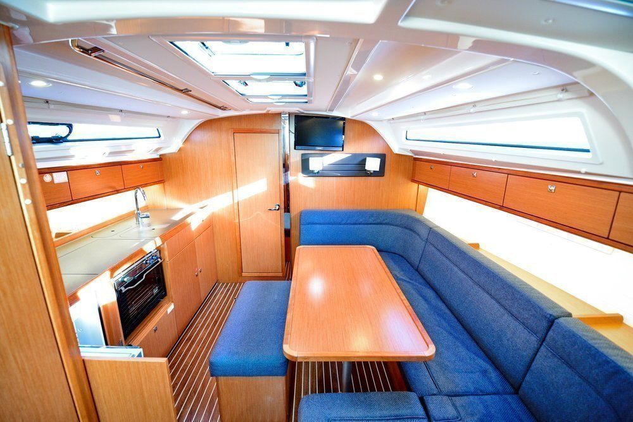 Bavaria Cruiser 41S (Lady Stardust 3)  - 13