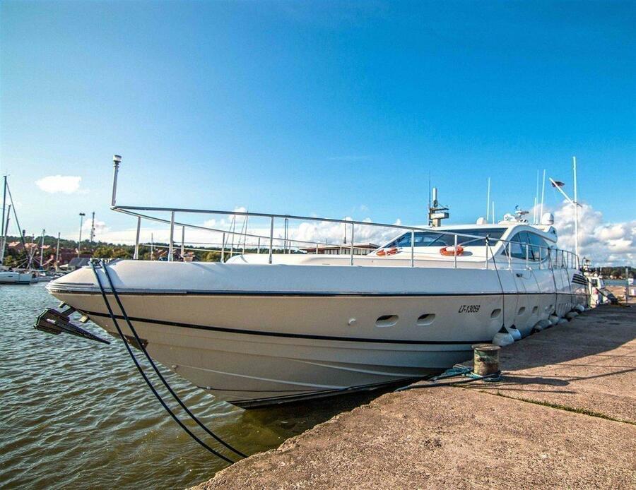 Leopard 24 (Leopard Forum 24 rent in Baltic sea)  - 4