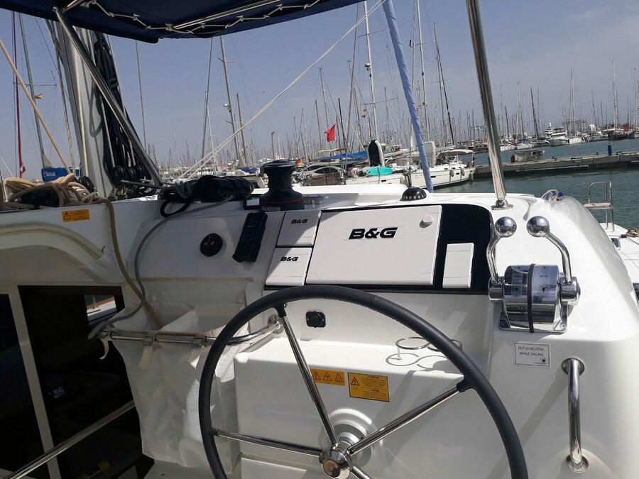 Lagoon 40 - 4 + 2 cab (Nathalie - Cabin charter (SUNDAY) port stern)  - 7