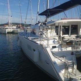 Jema (Cabin charter) starboard stern