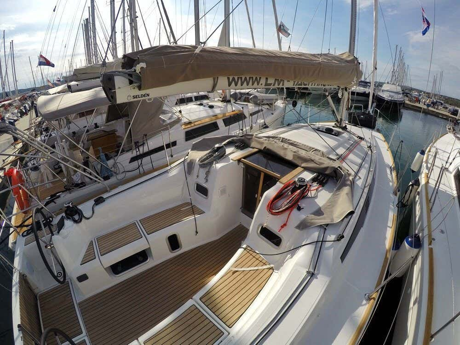 Sun Odyssey 349 (Nana)  - 3
