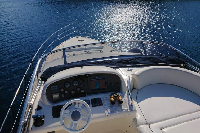 Azimut 62 - 3 + 1 cab. (MY ROBY)  - 2