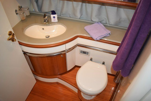 Azimut 62 - 3 + 1 cab. (MY ROBY)  - 12