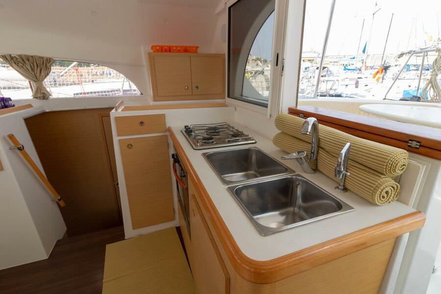 Lagoon 380 - 4 + 1 cab. (Giulia)  - 6