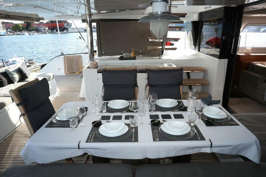 Lagoon 620 (Spirit of Adventure - CREWED (Skipper & Cook))  - 8
