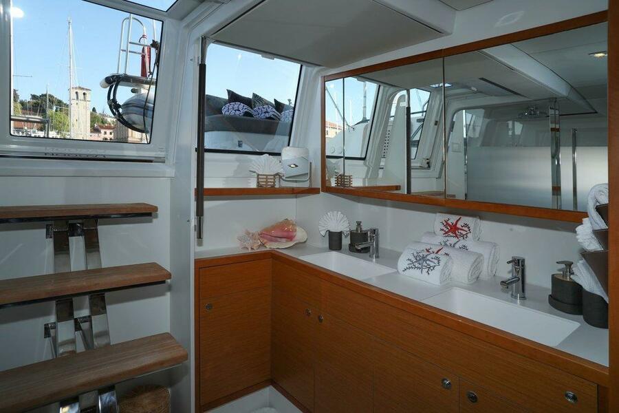 Lagoon 620 (Spirit of Adventure - CREWED (Skipper & Cook))  - 20