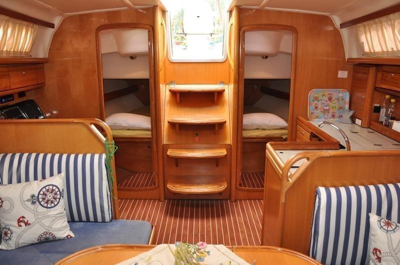 Bavaria 37 Cruiser (Alara 1)  - 3