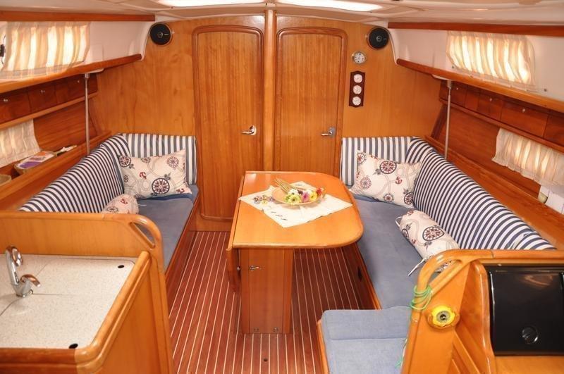 Bavaria 37 Cruiser (Alara 1)  - 4
