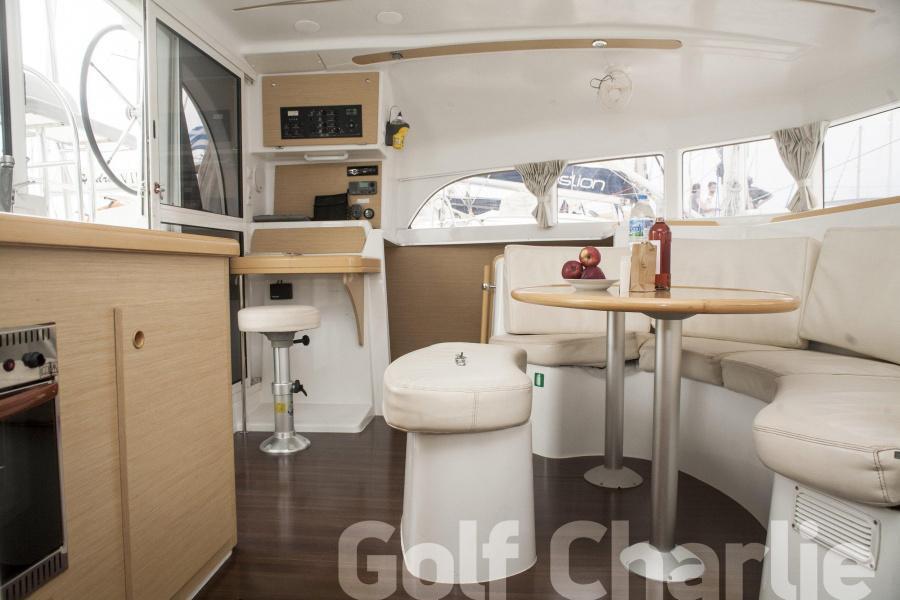 Lagoon 380 - 4 + 2 cab. (Golf Charlie)  - 10