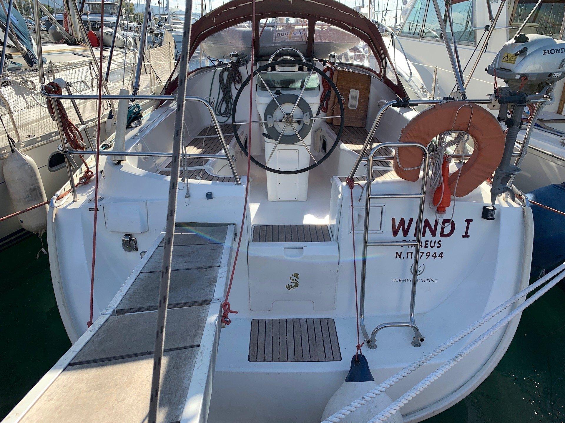 Oceanis Clipper 331 (Wind 1)  - 2