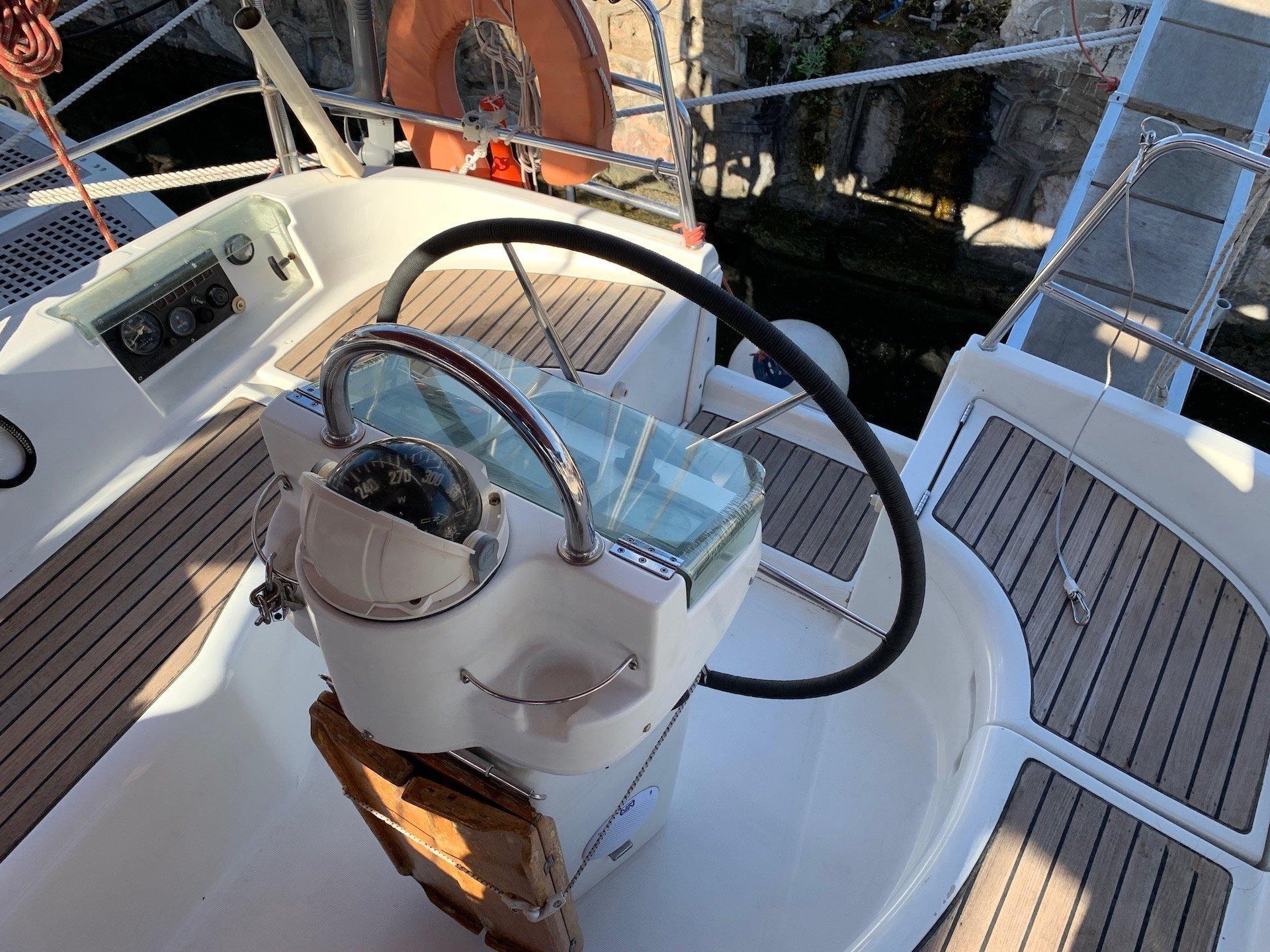 Oceanis Clipper 331 (Wind 1)  - 4