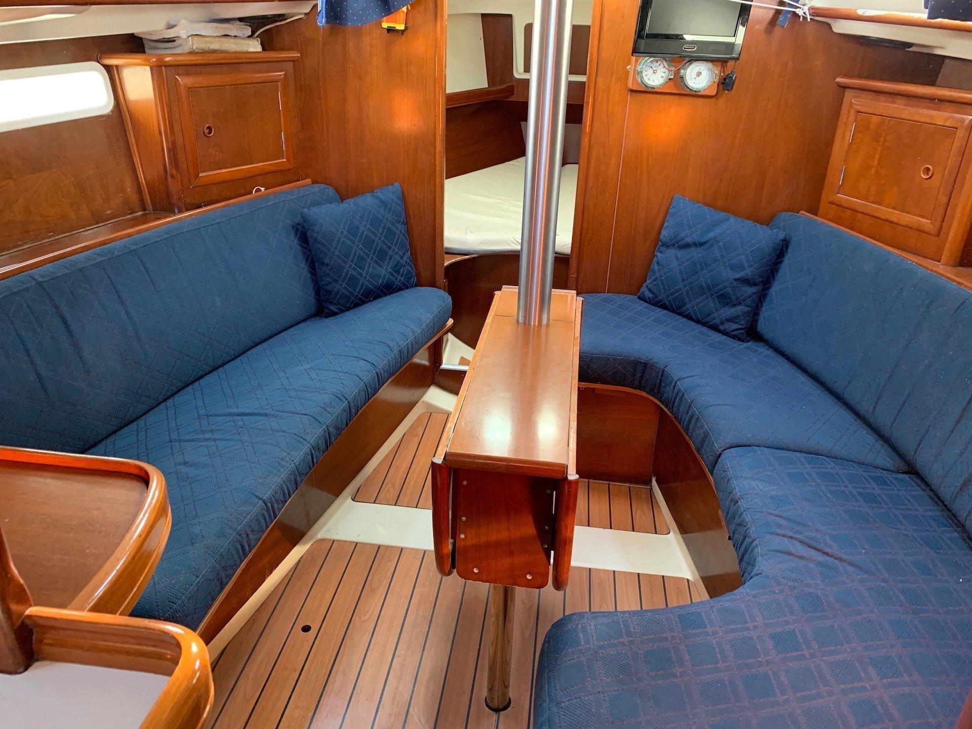 Oceanis Clipper 331 (Wind 1)  - 8