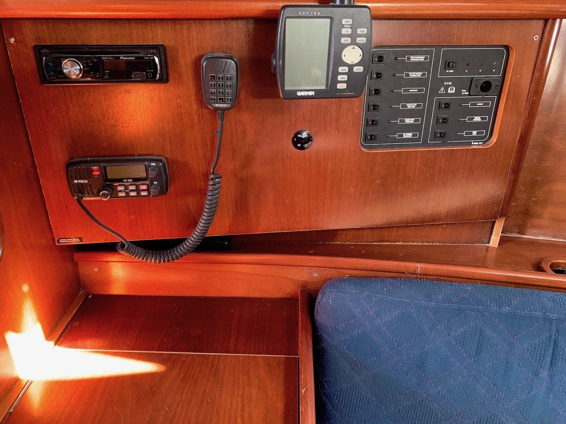 Oceanis Clipper 331 (Wind 1)  - 10