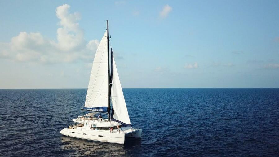 Eleuthera 60 Crewed (DREAM BALI)  - 0