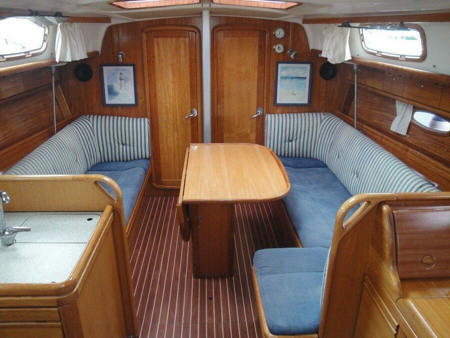 Bavaria 37 Cruiser (Eagle Ray)  - 1