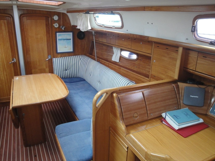 Bavaria 37 Cruiser (Eagle Ray)  - 2
