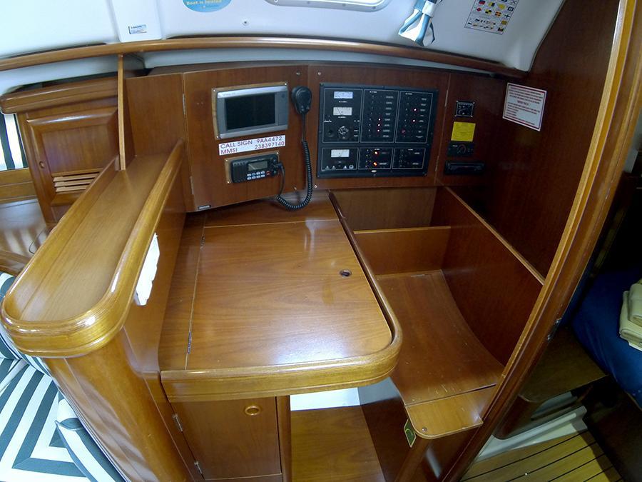 Oceanis 411 Clipper (ANA MARIA)  - 2
