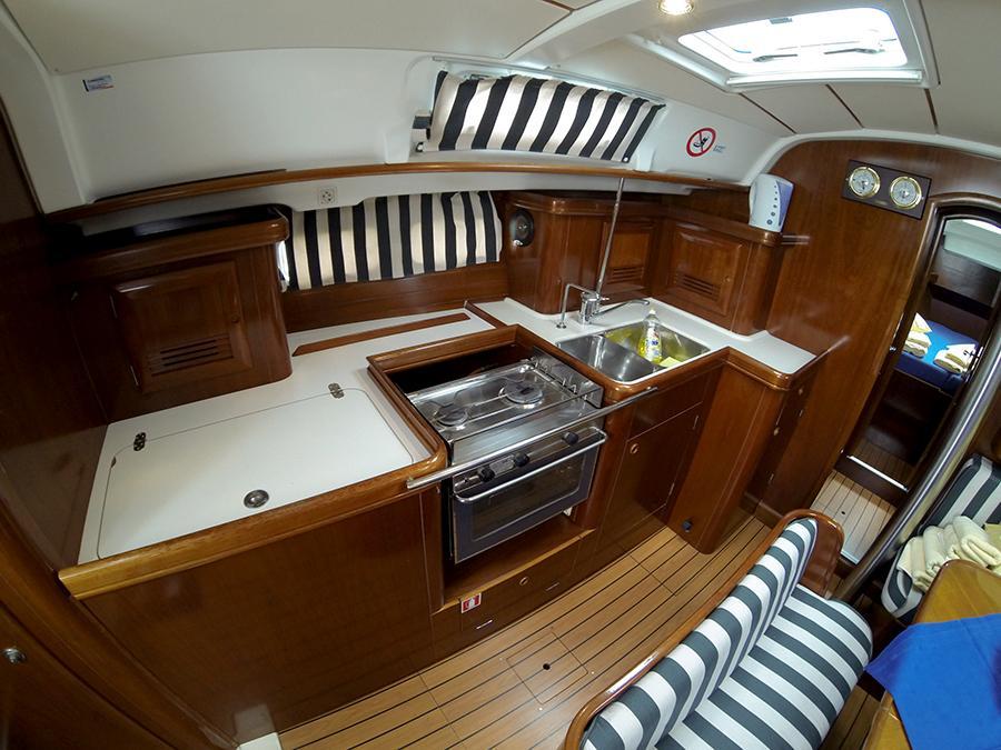 Oceanis 411 Clipper (ANA MARIA)  - 3