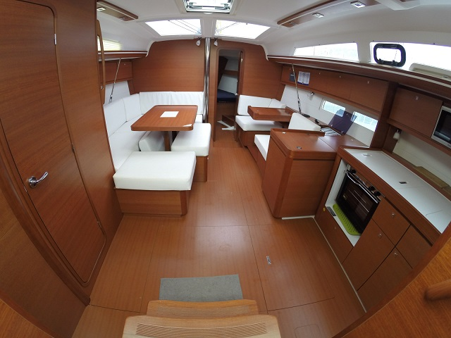 Dufour 410 Grand Large (Zoe)  - 12