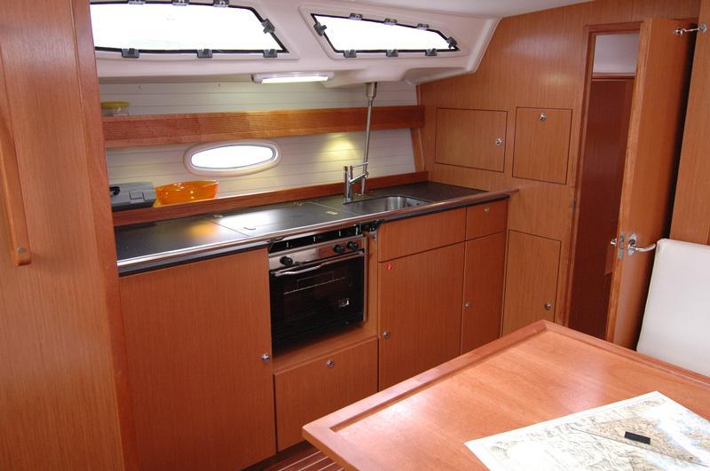Bavaria 43 Cruiser (Rhea)  - 4