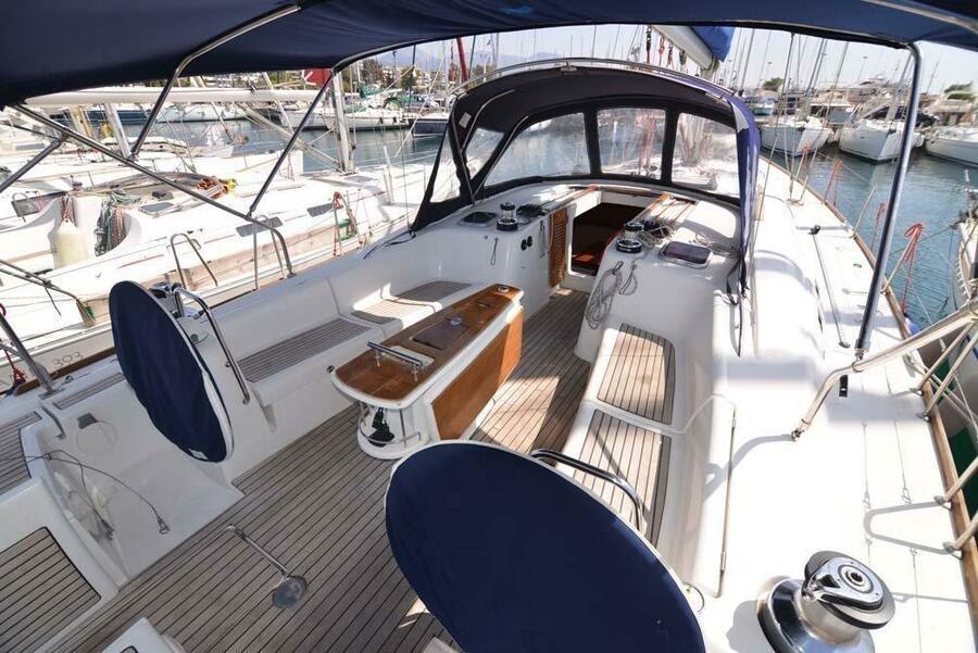 Oceanis 54 (Captain John)  - 2