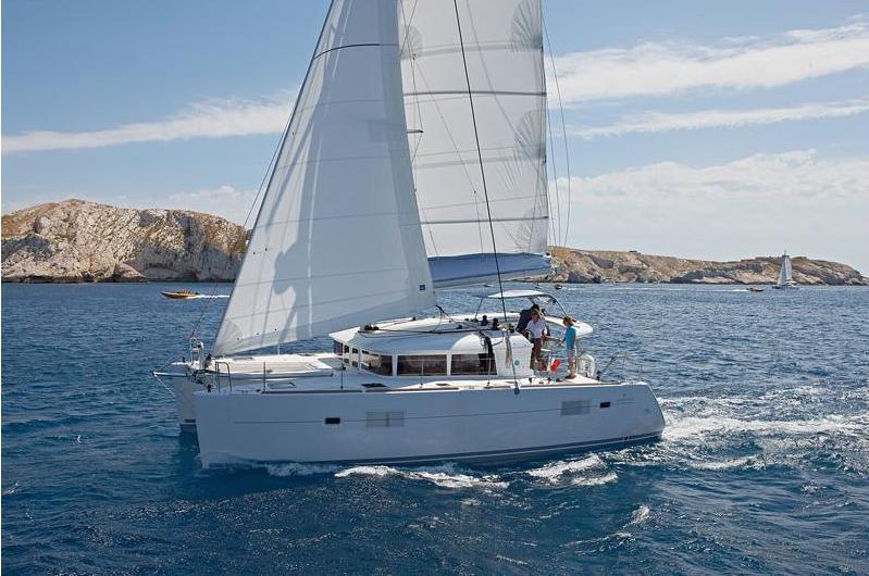 Lagoon 400 S2 Skippered (IRIS)  - 1