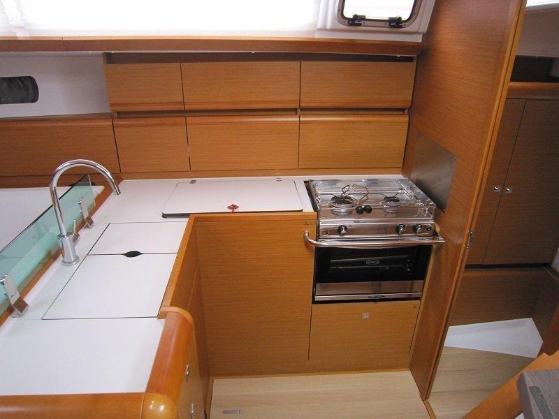 Sun Odyssey 449 (Airbender)  - 10