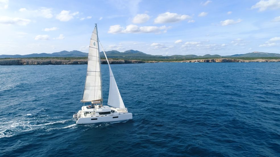 Lagoon 52 F with watermaker & A/C - PLUS (COLOMBO)  - 1