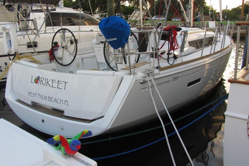 Sun Odyssey 389 2/1 plus Double in salon (Lorikeet)  - 2