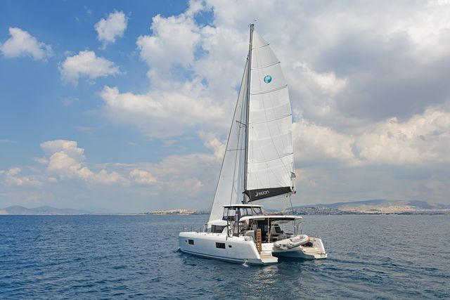 Lagoon 42 AC & GEN (BREEZE)  - 0