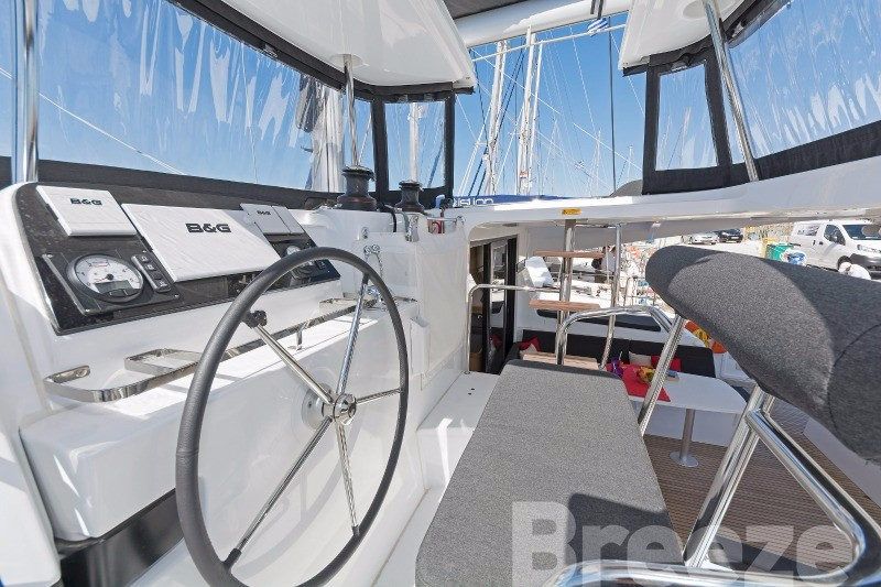 Lagoon 42 AC & GEN (BREEZE)  - 34