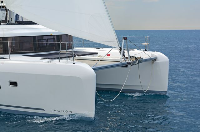 Lagoon 42 AC & GEN (BREEZE)  - 8