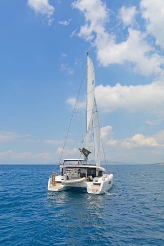 Lagoon 42 AC & GEN (BREEZE)  - 6