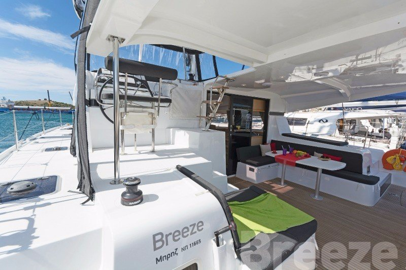 Lagoon 42 AC & GEN (BREEZE)  - 31