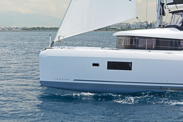 Lagoon 42 AC & GEN (BREEZE)  - 7