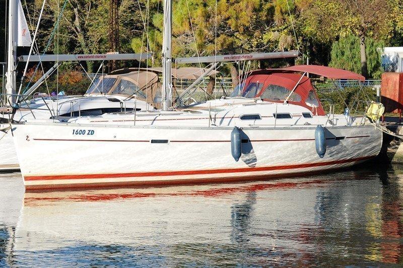 Oceanis Clipper 39.3 (ARIANA)  - 4