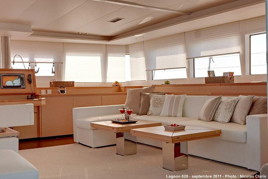 Lagoon 620 Crewed (DREAM CORSICA II)  - 4