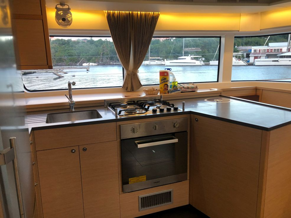 Lagoon 52 F with watermaker & A/C - PLUS (CAMANO)  - 11