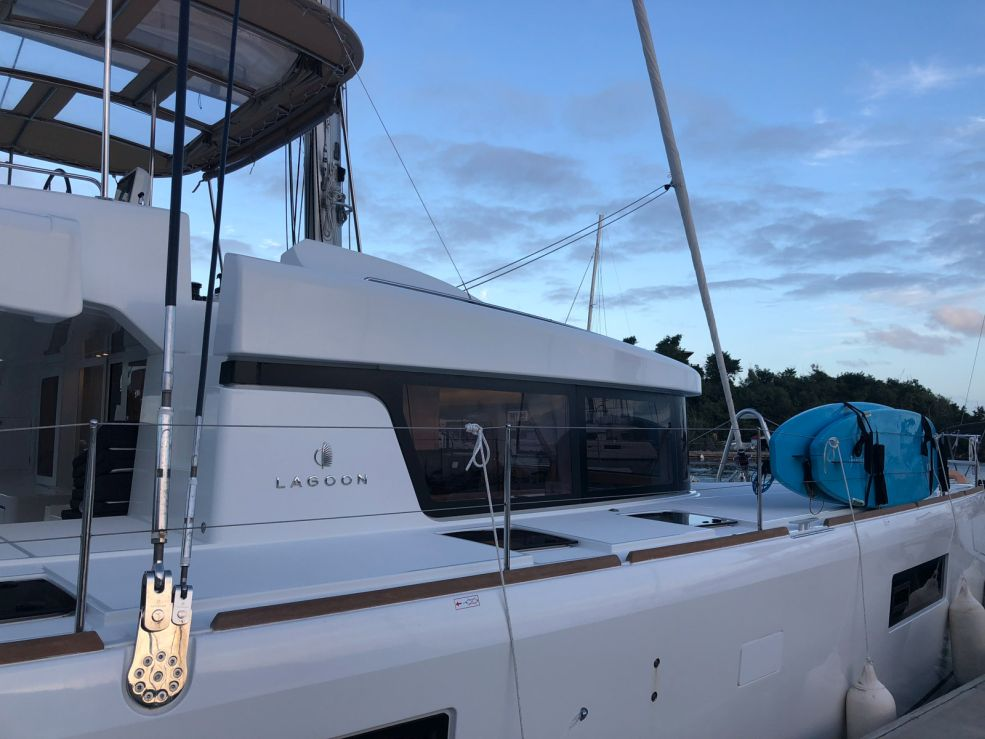 Lagoon 52 F with watermaker & A/C - PLUS (CAMANO)  - 2